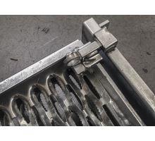 Schůdek dvoustupňový  - výklopný 620/516, žzink, kvalitní 3D protiskluz, nezakrývá SPZ